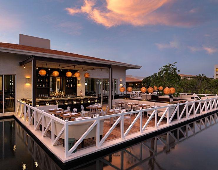 UNICO 20˚87˚ Mi Carisa Restaurant Terrace